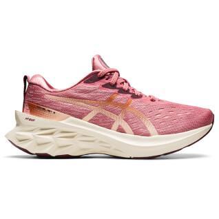 Women's shoes Asics Novablast 2